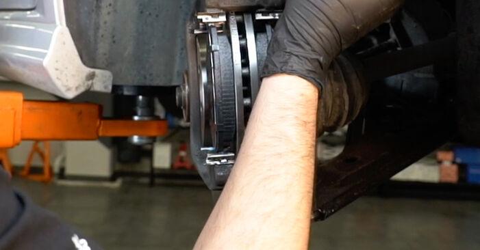 Wie Bremsbeläge FIAT GRANDE PUNTO (199) 1.4 2009 austauschen - Schrittweise Handbücher und Videoanleitungen