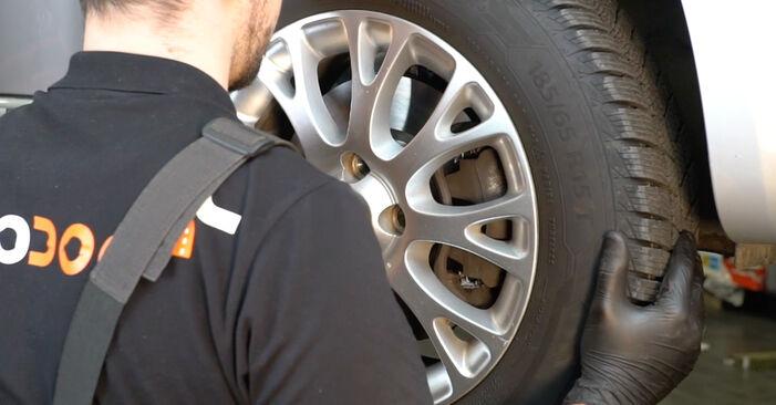 Wie schwer ist es, selbst zu reparieren: Bremsbeläge Fiat Punto 199 1.4 Natural Power 2014 Tausch - Downloaden Sie sich illustrierte Anleitungen