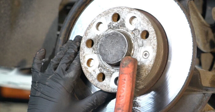 DIY replacement of Brake Discs on SKODA Octavia II Combi (1Z5) 2.0 TDI 16V 2008 is not an issue anymore with our step-by-step tutorial