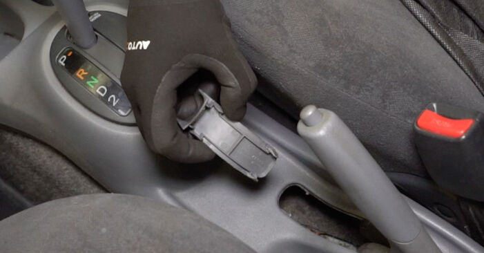Quão difícil é efetuar a substituição de Maxilas de Travão no Toyota Yaris p1 1.0 (SCP10_) 2005 por si mesmo - descarregue o guia ilustrado