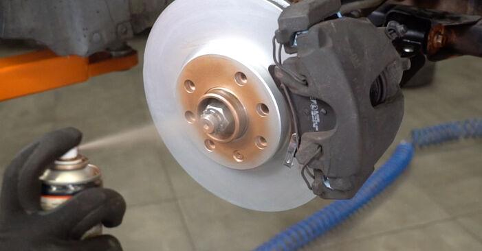 Mennyire nehéz önállóan elvégezni: Opel Meriva x03 1.7 DTI (E75) 2009 Kerékcsapágy cseréje - töltse le az ábrákat tartalmazó útmutatót