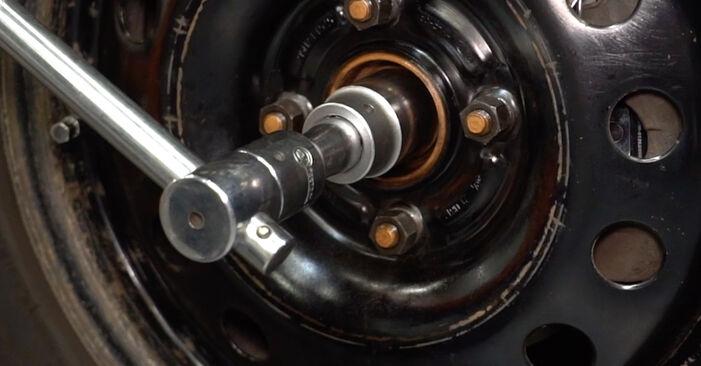Wie man FORD FOCUS (DAW, DBW) 1.6 16V 1999 Radlager wechselt - Schritt-für-Schritt-Leitfäden und Video-Tutorials