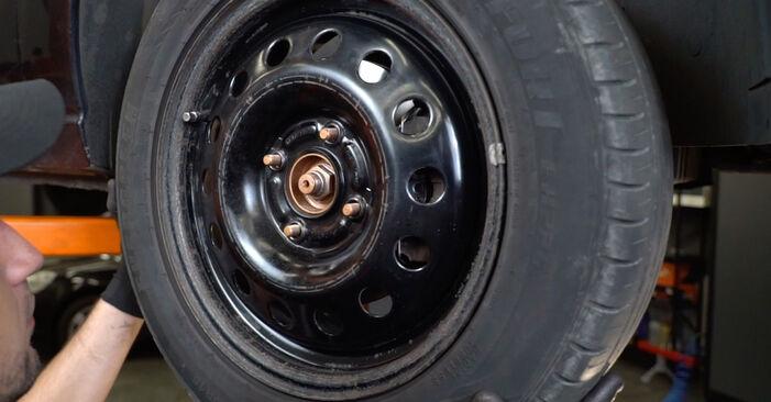 Wie problematisch ist es, selber zu reparieren: Radlager beim Ford Focus DAW 2.0 16V 2004 auswechseln – Downloaden Sie sich bebilderte Tutorials