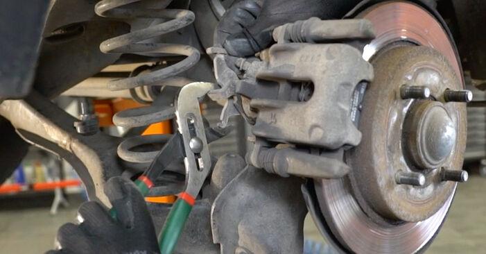 Bremsscheiben am FORD FOCUS (DAW, DBW) ST170 2.0 2003 wechseln – Laden Sie sich PDF-Handbücher und Videoanleitungen herunter