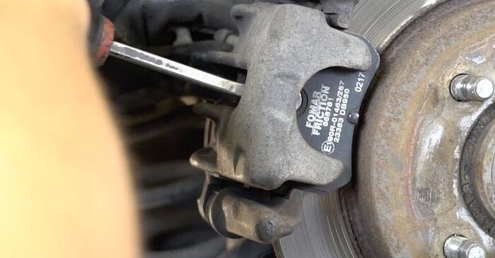 FORD FOCUS 1.6 16V Bremsbeläge ausbauen: Anweisungen und Video-Tutorials online