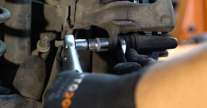 Bremsbeläge Ford Focus Mk1 1.8 TDCi 2000 wechseln: Kostenlose Reparaturhandbücher