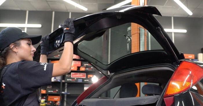Heckklappendämpfer Ford Focus Mk1 1.8 TDCi 2000 wechseln: Kostenlose Reparaturhandbücher