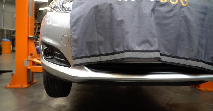 FORD Fiesta Mk6 Hatchback (JA8, JR8) 2020 Hosszbordás szíj csere - tippek és trükkök