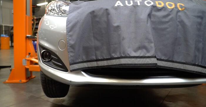 Ford Fiesta ja8 1.4 TDCi 2010 Hosszbordás szíj cseréje: ingyenes szervizelési útmutatók