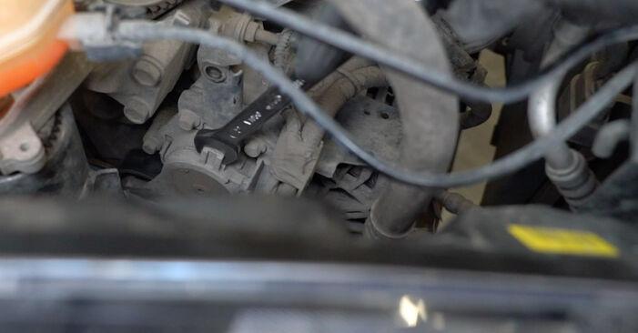 Hosszbordás szíj FORD Fiesta Mk6 Hatchback (JA8, JR8) 2013 csere - töltsön le PDF útmutatókat és utasításokat tartalmazó videókat