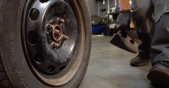 Consigli passo-passo per la sostituzione del fai da te Ford Fiesta ja8 2021 1.4 LPG Dischi Freno