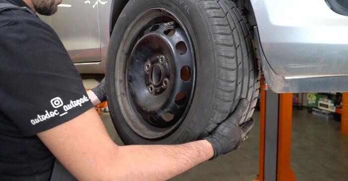 Come rimuovere FORD FIESTA 1.4 LPG 2012 Pastiglie Freno - istruzioni online facili da seguire
