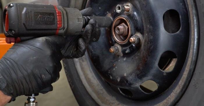 Bremsbeläge am FORD Fiesta Mk6 Schrägheck (JA8, JR8) 1.0 EcoBoost 2013 wechseln – Laden Sie sich PDF-Handbücher und Videoanleitungen herunter