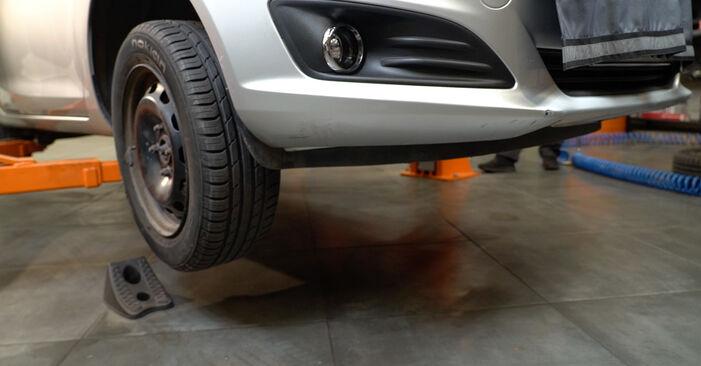 Wechseln Bremsbeläge am FORD Fiesta Mk6 Schrägheck (JA8, JR8) 1.5 TDCi 2011 selber