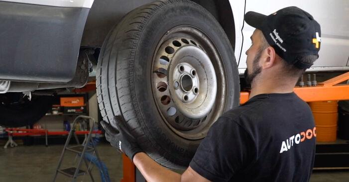Vanskelighetsgrad: Bytte av Støtdemper på VW T5 Van 1.9 TDI 2009 – last ned illustrert veiledning