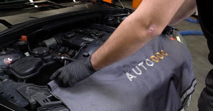 Wie Zündspule BMW 1 Coupe (E82) 123d 2.0 2002 austauschen - Schrittweise Handbücher und Videoanleitungen