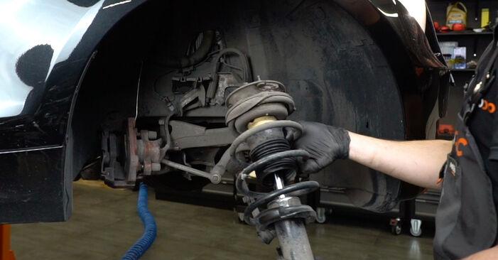 BMW 1 SERIES 125i 3.0 2005 Toronycsapágy eltávolítás - online könnyen követhető utasítások