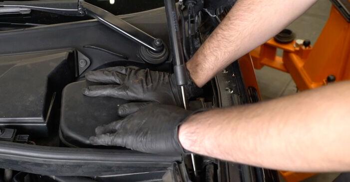 Bremsscheiben Ihres BMW E82 123d 2.0 2006 selbst Wechsel - Gratis Tutorial