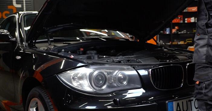 Kaip pakeisti Stabdžių Kaladėlės la BMW E82 2006 - nemokamos PDF ir vaizdo pamokos