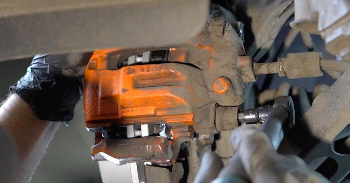 Kaip pakeisti Stabdžių Kaladėlės BMW 1 Coupe (E82) 2011: atsisiųskite PDF instrukciją ir vaizdo pamokas