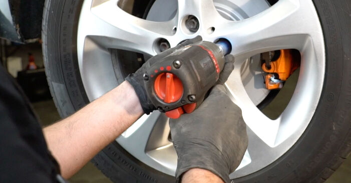 How to change Brake Pads on BMW 1 Coupe (E82) 2006 - tips and tricks