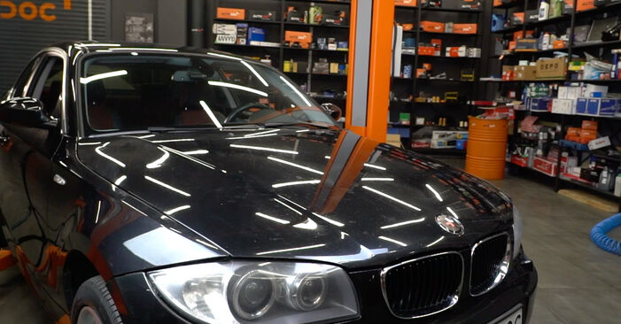 BMW E82 123d 2.0 2008 Brake Pads replacement: free workshop manuals