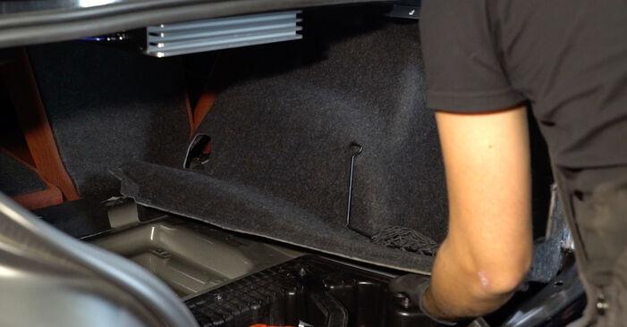 Domlager am BMW 1 Coupe (E82) M1 3.0 2011 wechseln – Laden Sie sich PDF-Handbücher und Videoanleitungen herunter