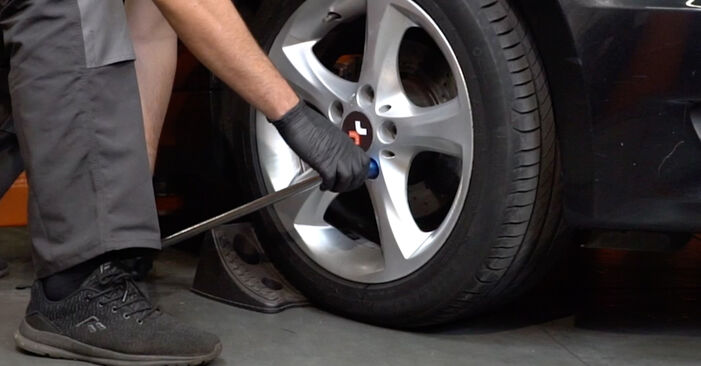 How to replace BMW 1 Coupe (E82) 120d 2.0 2004 Wheel Bearing - step-by-step manuals and video guides