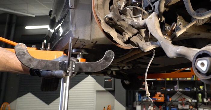 Wie man Radlager beim BMW E82 2003 wechselt - Gratis PDF- und Video-Tutorials