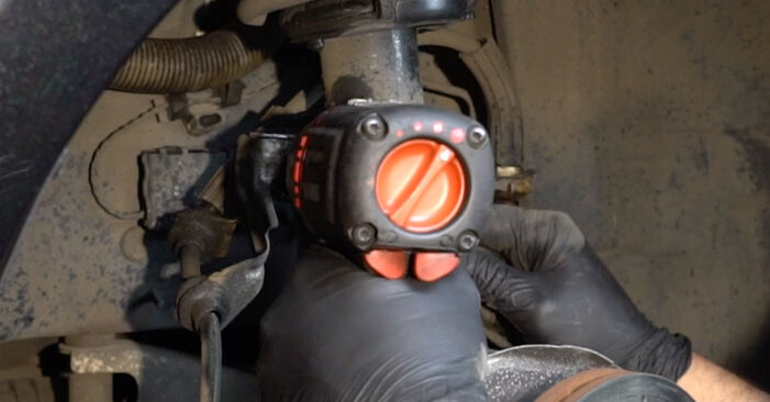 Wie schmierig ist es, selber zu reparieren: Radlager beim BMW E82 120i 2.0 2009 wechseln – Downloaden Sie sich Bildanleitungen