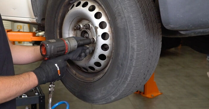 Wie Stoßdämpfer VW T5 Kasten 2.5 TDI 2003 tauschen - Kostenlose PDF- und Videoanleitungen