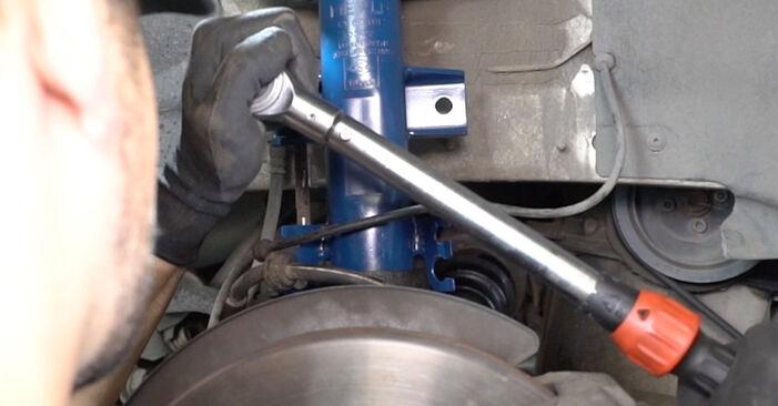 Wie VW TRANSPORTER 2.5 TDI 2007 Stoßdämpfer ausbauen - Einfach zu verstehende Anleitungen online