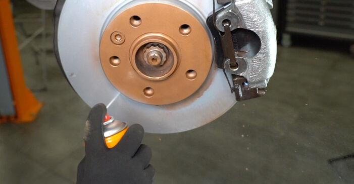 Austauschen Anleitung Stoßdämpfer am VW T5 Kasten 2013 2.5 TDI selbst