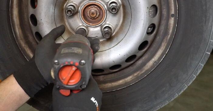 Tausch Tutorial Stoßdämpfer am VW Transporter V Kastenwagen (7HA, 7HH, 7EA, 7EH) 2015 wechselt - Tipps und Tricks