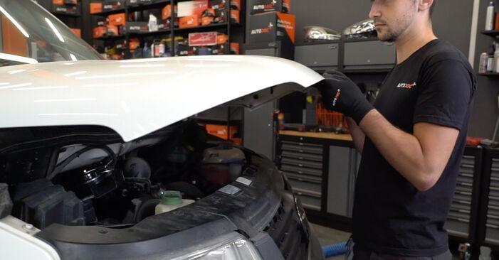 Hoe VW T5 Van 2003 Luchtfilter vervangen – kosteloze pdf-handleidingen en tutorials