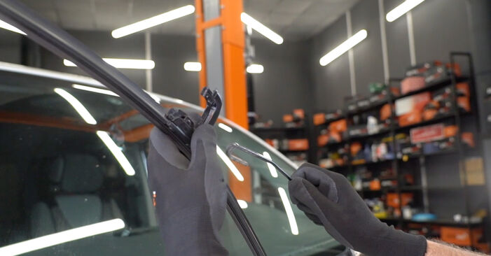 Changing Wiper Blades on VW Transporter V Van (7HA, 7HH, 7EA, 7EH) 2.0 TDI 2006 by yourself