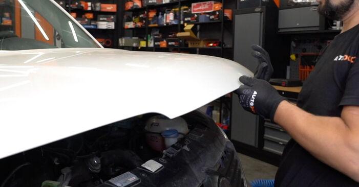 Cómo cambiar Discos de Freno en un VW T5 Furgón 2003 - Manuales en PDF y en video gratuitos