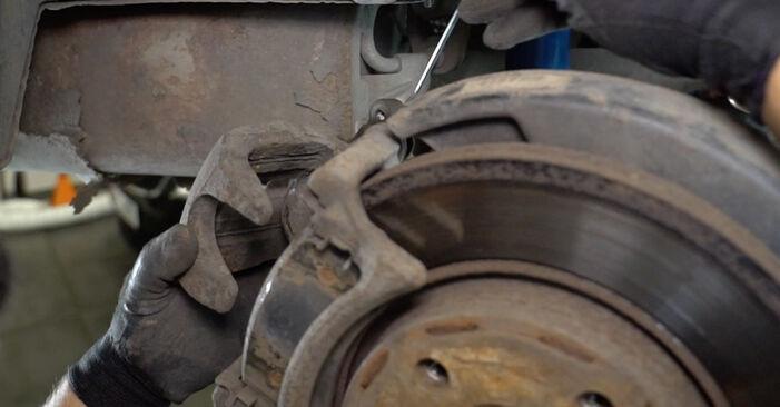 Reemplazo de Discos de Freno en un VW TRANSPORTER 2.5 TDI: guías online y video tutoriales