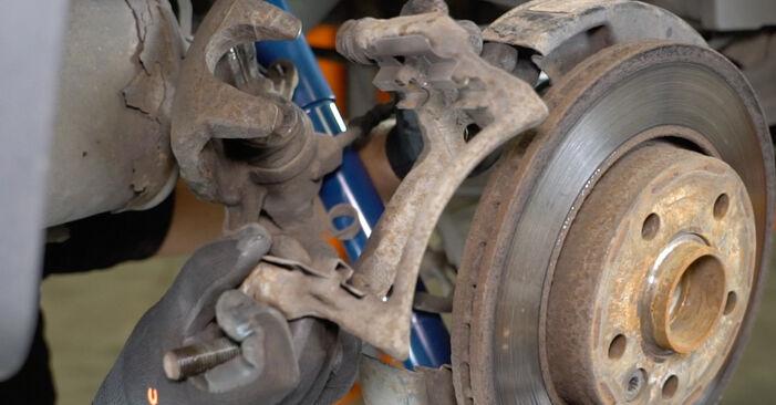 Recomendaciones paso a paso para la sustitución por su cuenta VW T5 Furgón 2003 2.5 TDI Discos de Freno