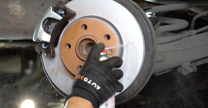 Cambio Discos de Freno en VW Transporter V Furgón (7HA, 7HH, 7EA, 7EH) 1.9 TDI 2004 ya no es un problema con nuestro tutorial paso a paso