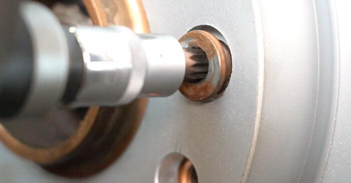 Wie VW TRANSPORTER 2.5 TDI 2007 Bremsscheiben ausbauen - Einfach zu verstehende Anleitungen online