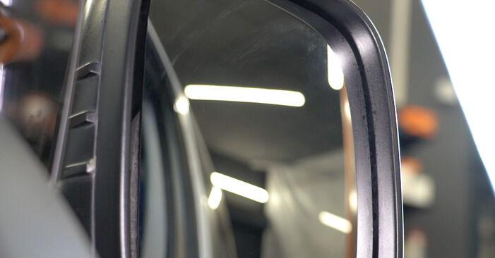 Austauschen Anleitung Spiegelglas am VW T5 Kasten 2013 2.5 TDI selbst