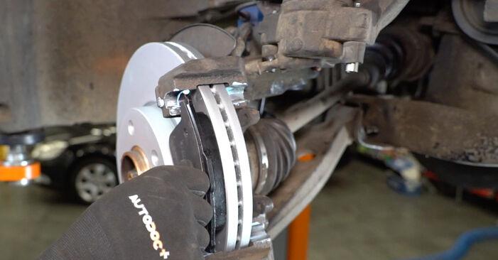 Wie Bremsbeläge VW T5 Kasten 2.5 TDI 2003 tauschen - Kostenlose PDF- und Videoanleitungen