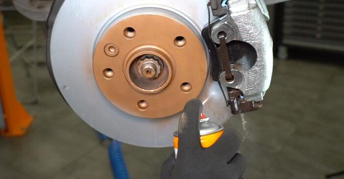 Bremsbeläge am VW Transporter V Kastenwagen (7HA, 7HH, 7EA, 7EH) 2.5 TDI 4motion 2008 wechseln – Laden Sie sich PDF-Handbücher und Videoanleitungen herunter