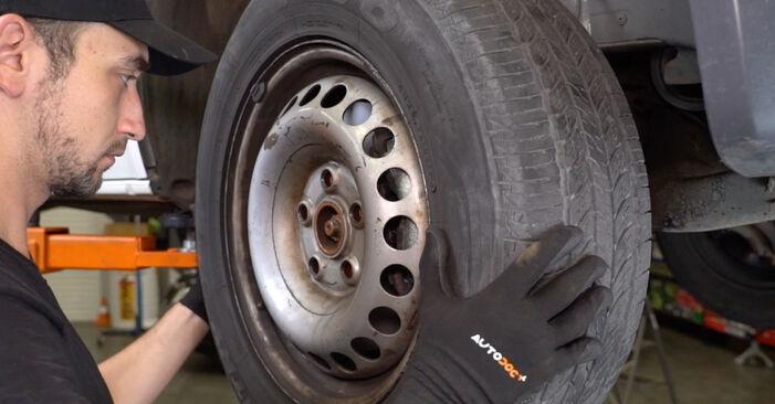 Wie schwer ist es, selbst zu reparieren: Bremsbeläge VW T5 Kasten 1.9 TDI 2009 Tausch - Downloaden Sie sich illustrierte Anleitungen