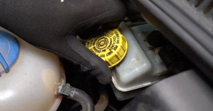 Austauschen Anleitung Bremsbeläge am VW T5 Kasten 2013 2.5 TDI selbst