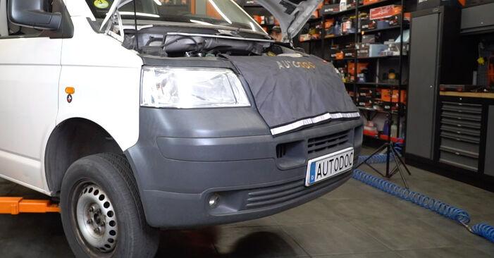 Bremsbeläge VW T5 Kasten 1.9 TDI 2005 wechseln: Kostenlose Reparaturhandbücher