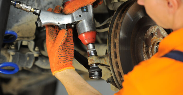 Replacing Track Rod End on ML W163 2000 ML 270 CDI 2.7 (163.113) by yourself