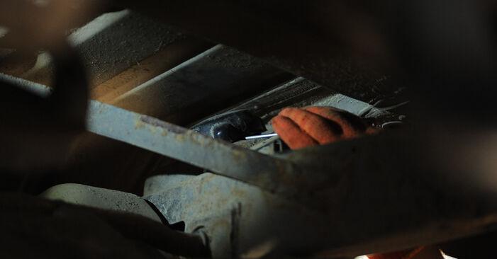 Querlenker am MERCEDES-BENZ M-Klasse (W163) ML 230 2.3 (163.136) 2003 wechseln – Laden Sie sich PDF-Handbücher und Videoanleitungen herunter