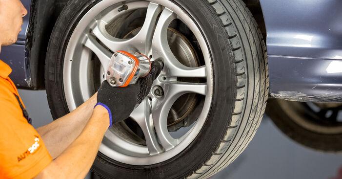 Comment retirer BMW 3 SERIES 316i 1.9 2002 Rotule De Direction - instructions en ligne faciles à suivre